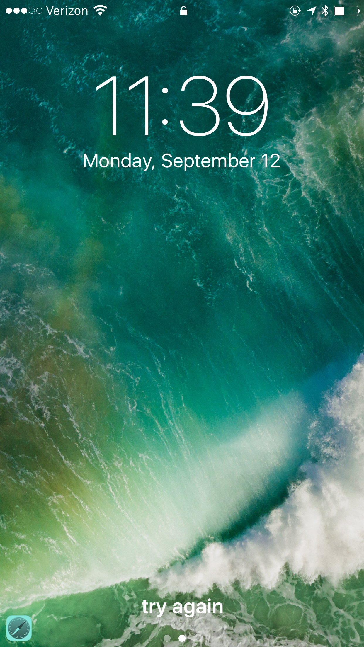 Image showing default iOS 10 Lock Screen